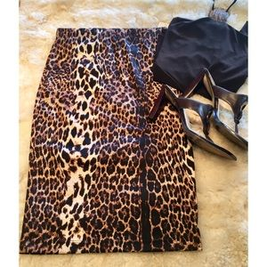 NWT Forever XXI knit leopard skirt